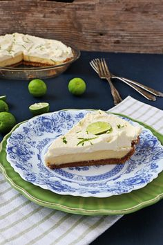 Delightfully sweet with the perfect amount of tartness, this creamy bright key lime pie recipe is indulgent comfort in every bite. Pie Recipes, Cooking Recipes, Sweet Recipes, Party Recipes, Dessert Recipes, Pie Eating Contest, Delicious Desserts, Yummy Food, Keylime Pie Recipe