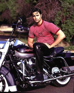 Victor Webster in black leather pants http://liamhubpages.hubpages.com/hub/Best-Mens-Leather-Pants