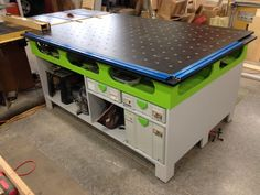My version of the Ron Paulk workbench with a little Festool inspired colors - Holzwerken - Garage Workshop Paulk Workbench, Workbench Plans Diy, Workbench Designs, Woodworking Bench Plans, Woodworking Workshop, Woodworking Shop, Woodworking Crafts, Workbenches, Garage Workbench