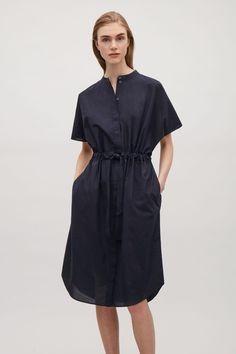 COS image 2 of Drawstring shirt dress in Navy Day Dresses, Dresses For Work, Summer Dresses, Dress Skirt, Shirt Dress, Classic Wardrobe, Work Wardrobe, Dress Hairstyles, Poplin Dress