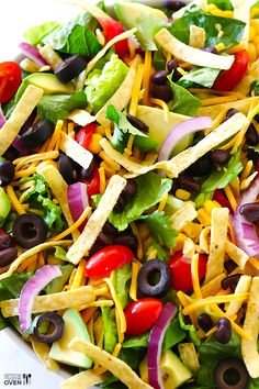 Skinny Taco Salad Recipe -- fresh, flavorful, and oh-so-good!   gimmesomeoven.com