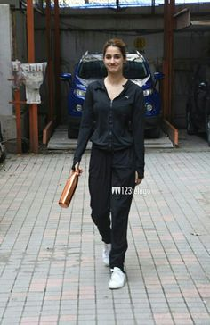 Disha Patni, Bollywood Actors, Normcore, Actresses, Celebrities, Beauty, Style, Fashion, Female Actresses