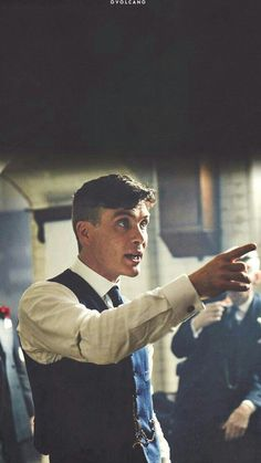 Thomas Shelby: -No fighting! Peaky Blinders Tommy Shelby, Peaky Blinders Thomas, Cillian Murphy Peaky Blinders, Peaky Blinders Series, Peaky Blinders Quotes, Gangsters, Peaky Blinders Merchandise, Cute Quotes For Your Crush, Peeky Blinders