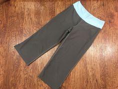 3f75d10c1b Nike Women s Gray w  Light Blue Waist Band Capri Cropped Pants FIT DRY XS 0  - 2  Nike