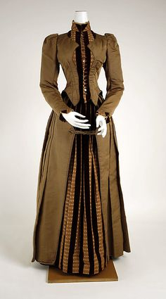 Dress 1886, American, Made of silk