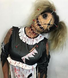 Next Halloween Costume Next Halloween Costume Source by kikigl Voodoo Doll Makeup, Clown Makeup, Scary Makeup, Fx Makeup, Costume Makeup, Demon Costume, Makeup Ideas, Beauty Makeup, Creepy Halloween Makeup