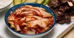 Une recette de chou napa mariné style kimchi présentée sur Zeste et Zeste.tv. Kimchi, Chou Napa, Chicken Wings, Cabbage, Pork, Beef, Vegetables, Style, Canning