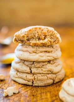 Soft & Puffy Pumpkin Spice Honey Cookies (not cakey!) - Easy recipe at averiecooks.com