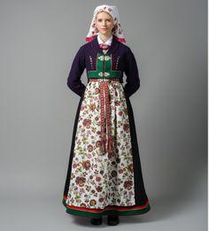 Viking Clothing, Folk Clothing, Spring Outfits Women, Folk Costume, Fashion History, Traditional Dresses, Bridal Dresses, High Waisted Skirt, Mittens