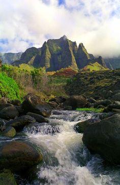 Kalalau Stream and mountains, Kauai, Hawaii