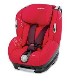 Silla de auto Opal de Bébé Confort. Bébé Confort Opal es ideal para estos padres prácticos, porque es una silla de auto que pueden usar durante mucho tiempo para proteger a sus hijos hasta los 4 años. La silla se puede regular en altura, y el reposacabezas también es ajustable.