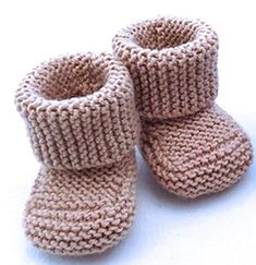 Baby booties knitting pattern: keep it warm for those lovely babies Oh Baby! Baby Booties - Knitting Patterns and Crochet Patterns from Knitted Baby Boots, Baby Booties Knitting Pattern, Knit Baby Shoes, Knit Baby Booties, Booties Crochet, Baby Socks, Baby Knitting Patterns, Baby Patterns, Crochet Patterns