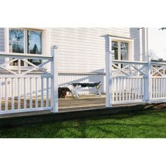 Roof balcony Whilst ancient in strategy, a pergola have been suffering from somewhat of a Porch Railing Designs, Balcony Railing Design, Deck Railings, Pergola Designs, Pergola Patio, Backyard, Roof Balcony, Outdoor Projects, Outdoor Decor