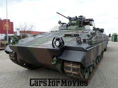 Der Schützenpanzer (SPz) Marder ist das Hauptwaffensystem der Panzergrenadiertruppe der Bundeswehr.Dieser Militärpanzer steht für Filmproduktionen bundesweit zur Verfügung.Besatzung bei Einsatz,2 PersonenAuf Wunsch liefern wir auch an ihr Set.