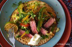 Steak Fajita mit Paprika-Avocado-Salat und Sauerrahm Guacamole, Avocado Salat, Steak, Tacos, Mexican, Beef, Tex Mex, Chicken, Ethnic Recipes