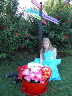{crisp black poles} Alice in Wonderland Tea Party by Party Prop Hire | CatchMyParty.com