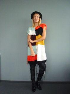 Dagmar Bily: Aus einem Pulli wurde ein Minikleid, das perfekt zu Overkneestiefeln oder einer schmalen Hose passt