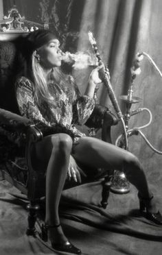 This hookah is making mine feel a bit inadequate .