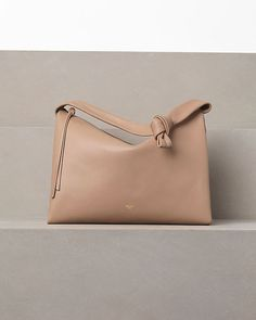 Cannot believe how beautiful this bag is! CÉLINE fashion and luxury leather goods 2012 Winter - Knotted - 31