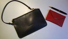 Pochette e porta biglietti da visita di #Coccinelle, da tenere in borsa per averla sempre in ordine e non perdere le chiavi di casa, i fazzolettini di carta, la penna, i biglietti da visita ... #LauraSerena #ilmiostilelibro http://www.ilmiostilelibro.it/fashion-tips-un-consiglio-per-una-borsa-sempre-in-ordine/