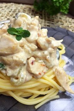 Csirkemell stroganoff módra – VIDEÓVAL! | Gastrohobbi My Recipes, Gourmet Recipes, Cooking Recipes, Smoothie Fruit, Eastern European Recipes, Pollo Chicken, Main Meals, Main Dishes, Food And Drink