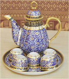 Tea set : blue color