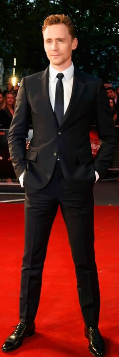 Tom Hiddleston attends a gala screening of 'High-Rise' during the BFI London Film Festival at Odeon Leicester Square on October 9, 2015 in London. Full size image: http://ww4.sinaimg.cn/large/6e14d388gw1ewvep2iox7j21jh2bctsr.jpg Source: Torrilla, Weibo