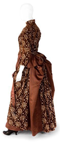 Dress (side view), Augusta Lundin: ca. 1880's, Swedish, embellished silk velvet and satin.