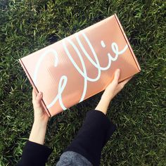 Ellie: new monthly workout subscription box with 3 athletic fashion items and 2 pieces of equipment/accessory!     Ellie is Back - New Workout Wear + Gear Subscription! →  http://hellosubscription.com/2017/01/ellie-back-new-workout-wear-gear-subscription/ #Ellie  #subscriptionbox