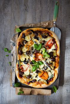 Homemade Roasted Vegetable Pizza {Vegetarian}