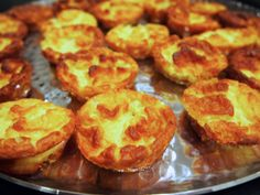 Perfect Finger Food - Mini Twice Baked Cheese Souffle Bariatric Recipes, Bariatric Food, Cheese Souffle, Good Food, Yummy Food, Baked Cheese, Snack Recipes, Snacks, Canapes