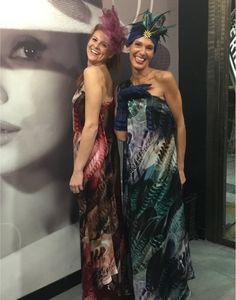 Mujeres elegantes y sofisticadas:  vestidos de seda natural que inspiran comodidad y libertad de movimientos.