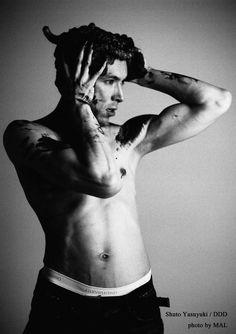 """""""首藤康之(Yasuyuki Shuto)#1 /Ballet Dancer"""" for DDD 2005 photo by MAL(丸本祐佐) MAL. All Rights Reserved."""