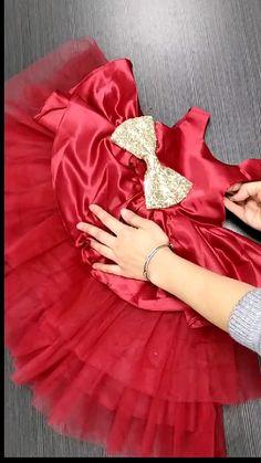 Baby Girl Dresses Diy, Baby Girl Birthday Dress, Little Girl Dresses, 1st Birthday Dresses, Girls Frock Design, Baby Dress Design, Kids Dress Wear, Kids Gown, Baby Frocks Designs