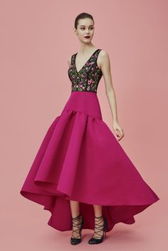 Marchesa--hermosa falda amplia color buganvillea con lindo top bordado