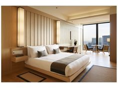 View the rooms & suites at Aman Tokyo. Experience a blend of modern design & traditional Japanese residences. Book luxury accommodation at Aman Tokyo with Aman. Hotel Bedroom Design, Casa Hotel, Hotel Lobby, Room Interior, Interior Design, Luxury Interior, Interior Architecture, Tokyo Hotels, 1 Bedroom Apartment