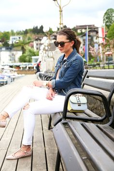 outfit-denim-jacket-chanel-brooch-valentino-rockstud-flats-valentino-glam-lock-bag-pastels