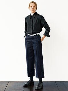 Minimalist Fashion Tips: 24 Womens Minimal Outfits - Biseyre Margaret Howell, Androgynous Fashion Women, Fashion Outfits, Womens Fashion, Fashion Tips, Fashion Trends, Fashion Ideas, Women's Dresses, Minimalist Fashion Women