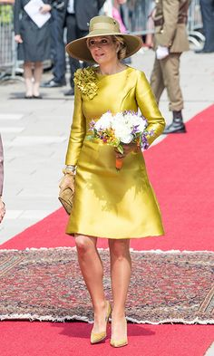 Queen Maxima of The Netherland looked chic in a fitting dress with long sleeves and an A-line skirt was cinched in at the waist and fell just above the knee. She matched the piece with a coordinating pair of heels and a stylish green hat, as she attended an official welcome ceremony at the Grand Ducal Palace in Luxembourg