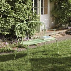 Charming outdoor furniture | Stackable 2/3-seater garden bench in light green metal Holly | Maisons du Monde