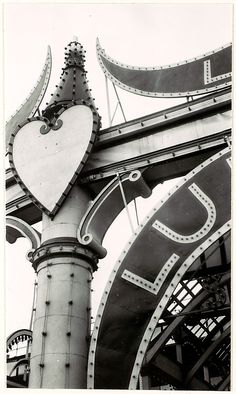 Luna Park, Coney Island, New York  Walker Evans, 1928-29 <3