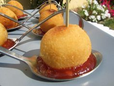croquetas de cebolla frita y queso de cabra tmx