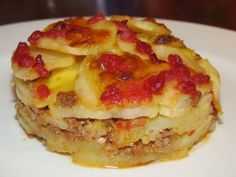 Zapečené brambory s mletým masem recept - Labužník.cz Lasagna, Casserole, Pancakes, Food And Drink, Menu, Treats, Breakfast, Ethnic Recipes, Foodies