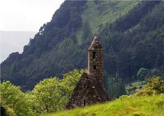 12thC monastic ruin at Glendalough, Co Wicklow. An enchanted valley, home in the 6thC to the ascetic St Kevin.