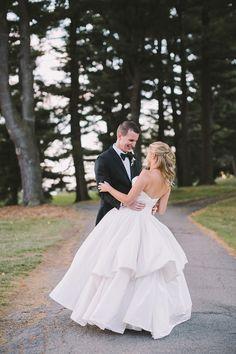 Photography: Alexandra Meseke Photography - alexandrameseke.com  Read More: http://www.stylemepretty.com/2015/05/23/traditional-rochester-country-club-wedding/
