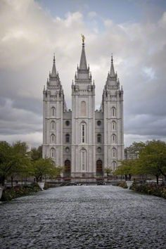 The entire Salt Lake Temple in the winter, including scenery.