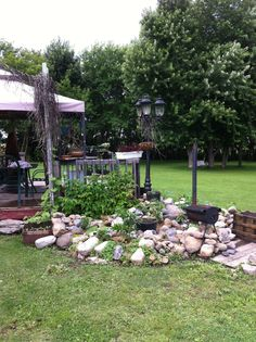 hochbeet mit feldsteinen | garten | pinterest | hochbeet und gärten, Gartenarbeit ideen