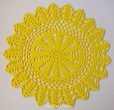 Sousplat, Place Mat Doily Toalhinha, Napperon São tantos nomes para esta peça de Crochê para a mesa. Aqui--->Mais Sousplat Aqui---...