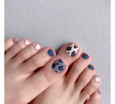Toe Nails White, Fall Toe Nails, Pretty Toe Nails, Cute Toe Nails, Summer Toe Nails, Cute Acrylic Nails, Toe Nail Art, Gel Nails, Feet Nail Design
