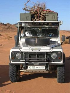 Land Rover Defender 4x4 Legend #Landrover #Land #Rover #Defender #adventure #offroad #camping #travel #exploration #expedition #overland #Landroverdefenderlegend